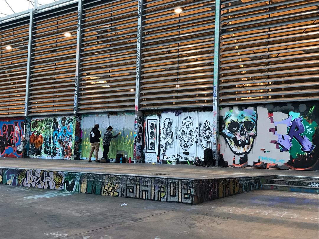 Wallspot - henrysaenz - CUBE tres xemeneies - Barcelona - CUBE tres xemeneies - Graffity - Legal Walls - Illustration