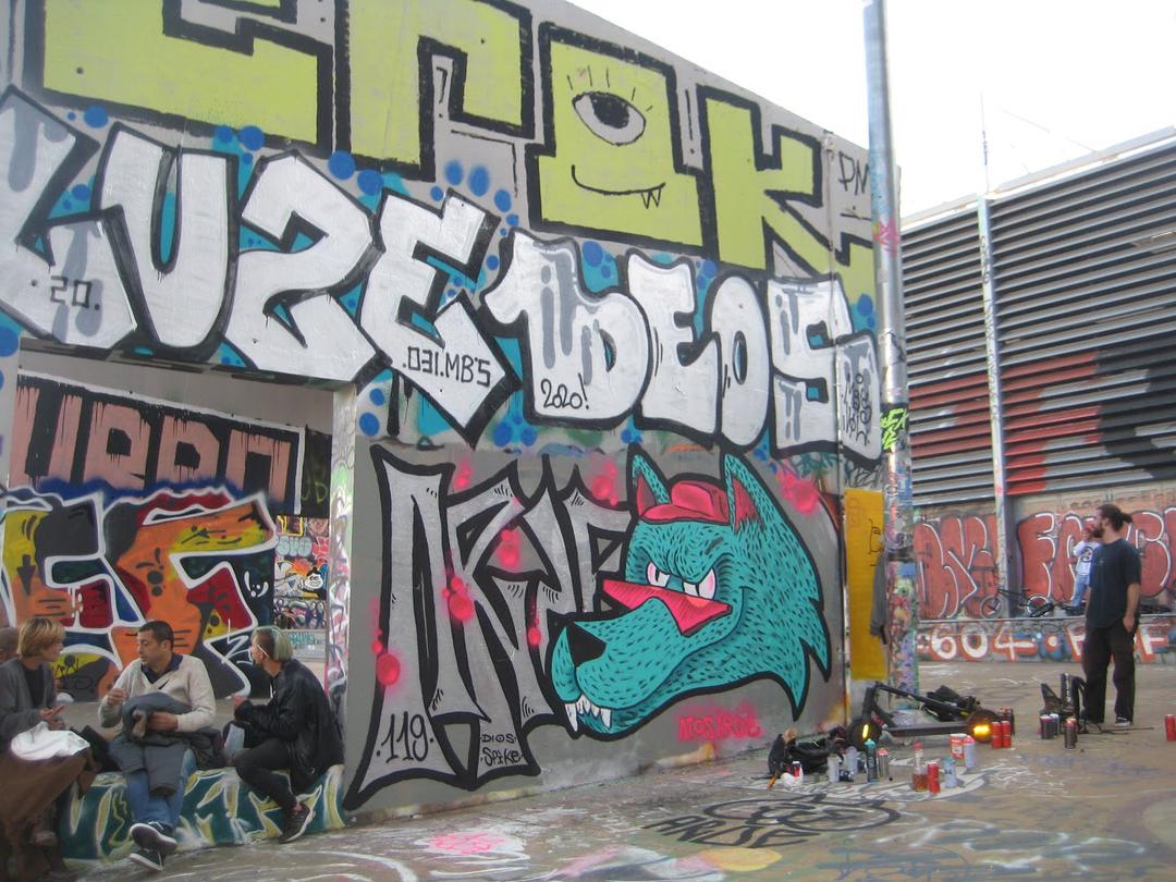 Wallspot - AtosArde - CUBE tres xemeneies - Barcelona - CUBE tres xemeneies - Graffity - Legal Walls - Illustration