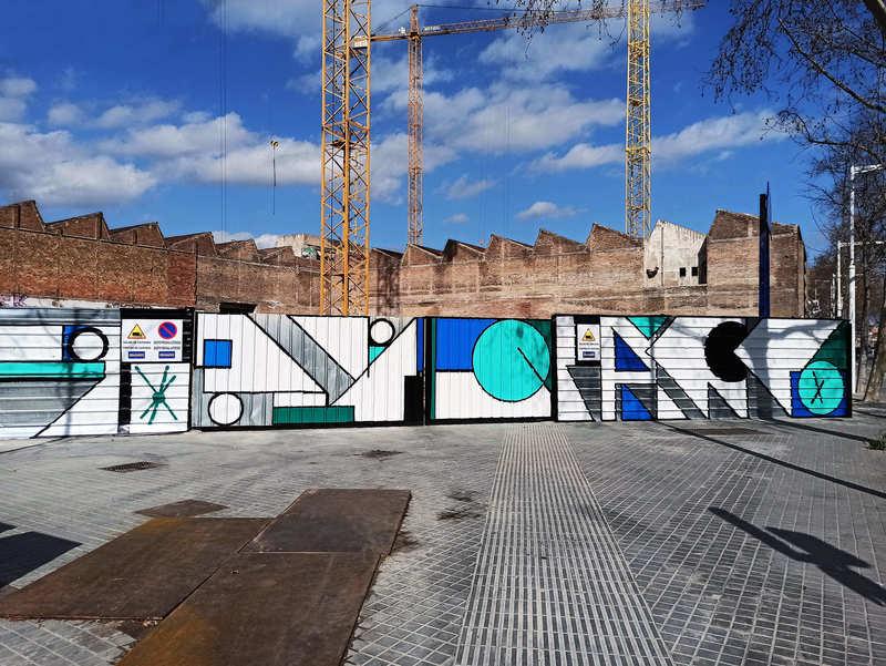 """Wallspot Post - Wall Lab: Intervenció artística per Spogo, """"Antiga fàbrica: La Sibèria"""" a l'Avinguda Icària 199 (Poblenou Barcelona)"""