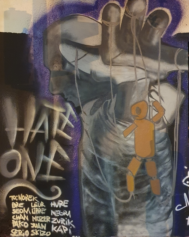 Wallspot - Hate_one - marionetas del poder..  - Barcelona - Western Town - Graffity - Legal Walls -
