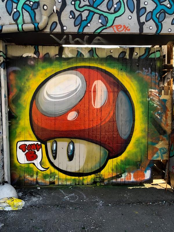 Wallspot - Tony-b - Mario toad  - Göteborg - Draken - Graffity - Legal Walls - Illustration